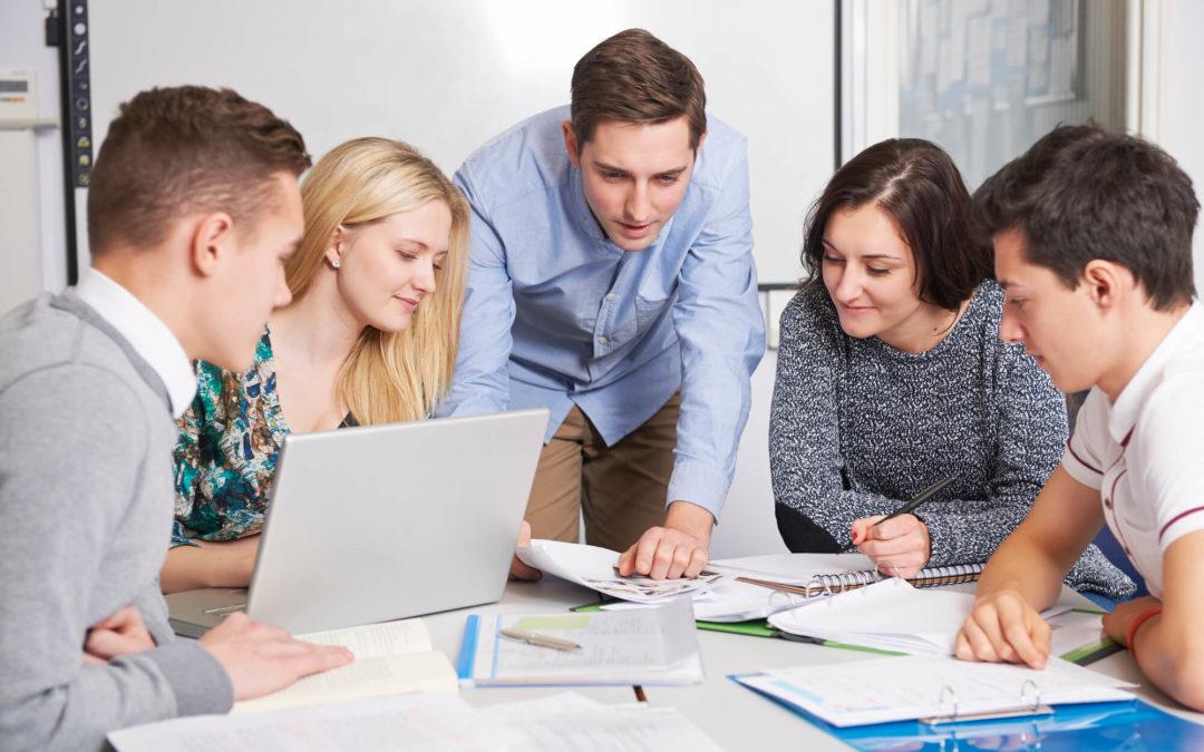 Como melhorar a capacitação dos estudantes para o mercado de trabalho