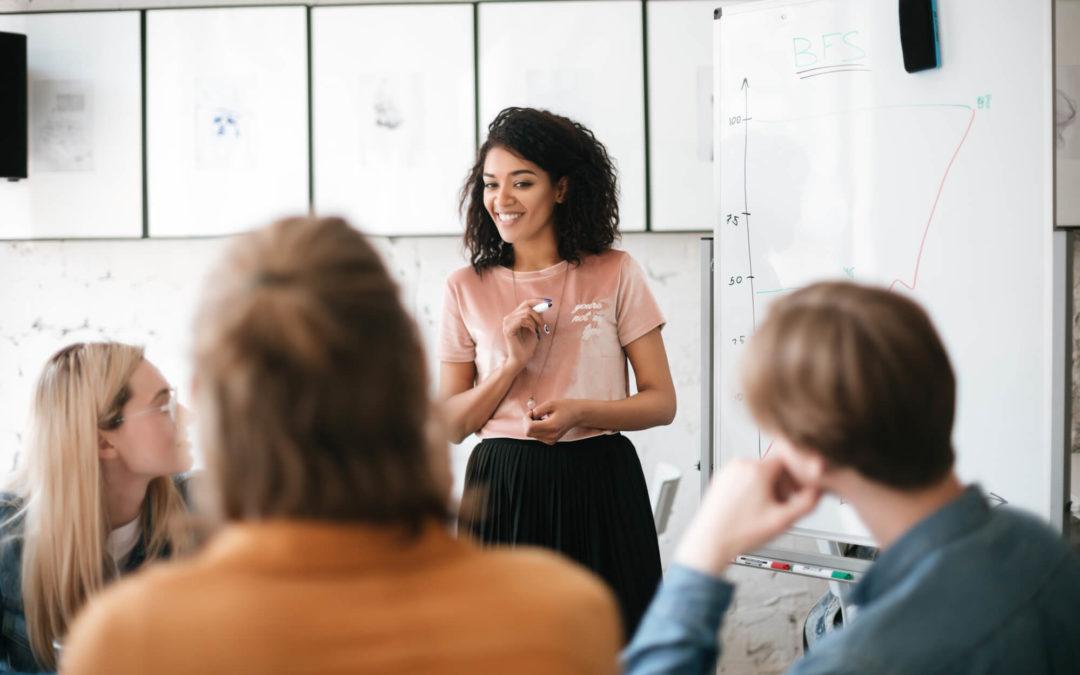 Qual a importância da capacitação de funcionários nas empresas?